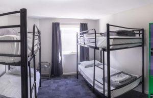 Room_4single_beds_4